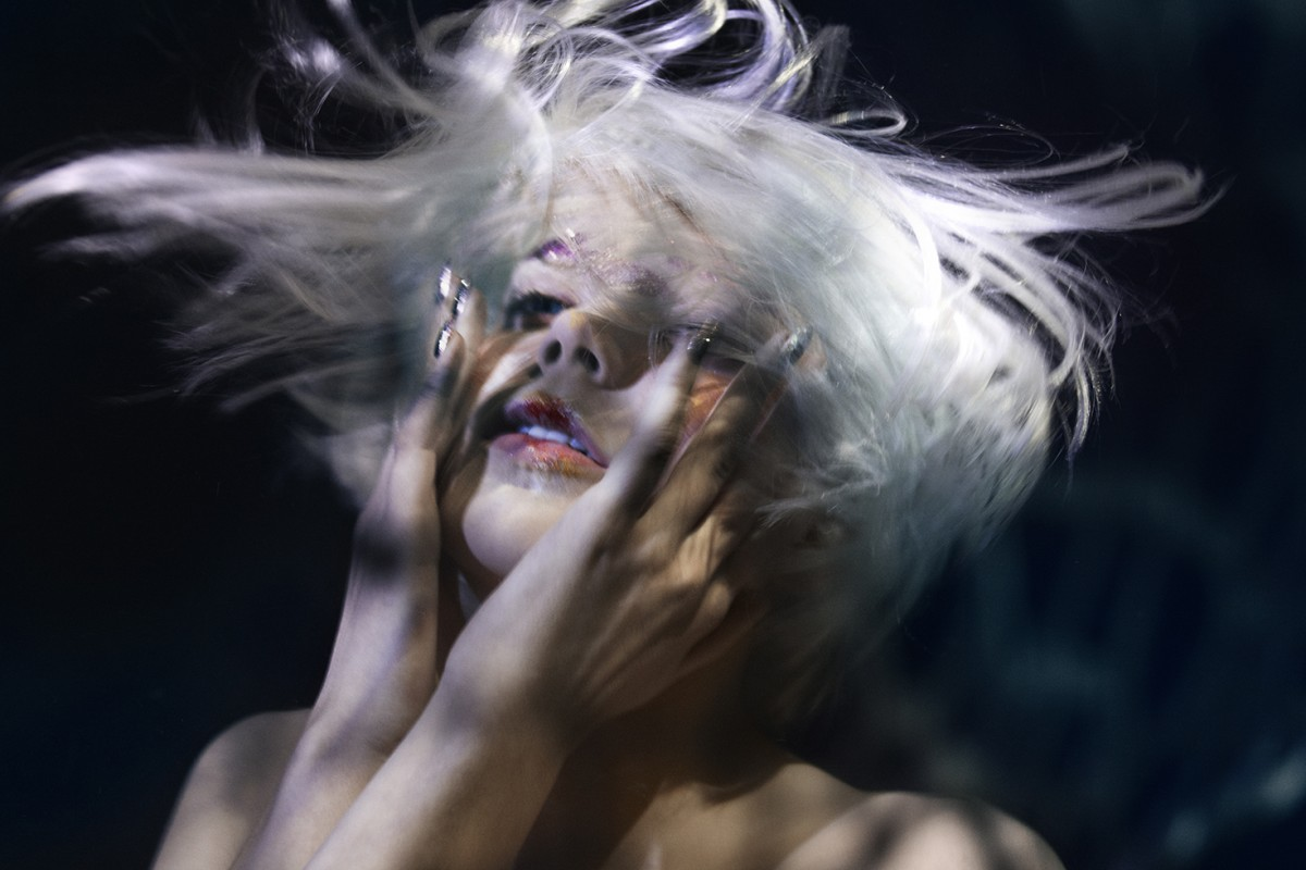 Underwater beauty editorial for Collection Magazine | photograph