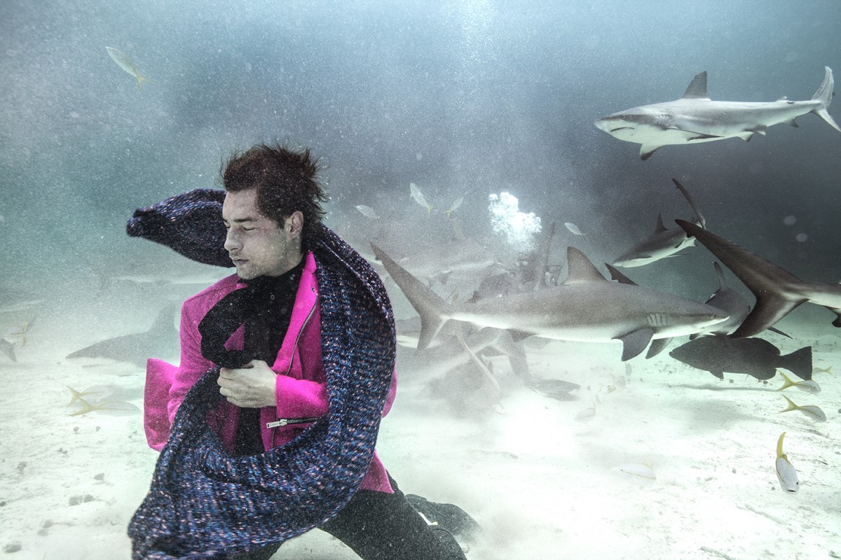 underwater fashion shoot for How to spend it Magazine | photogra